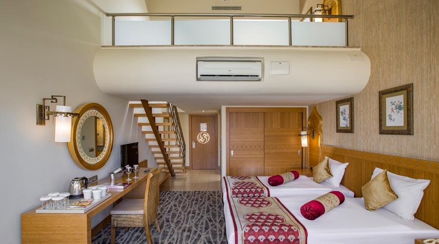 Royal Dragon Hotel - Duplex rodinný pokoj